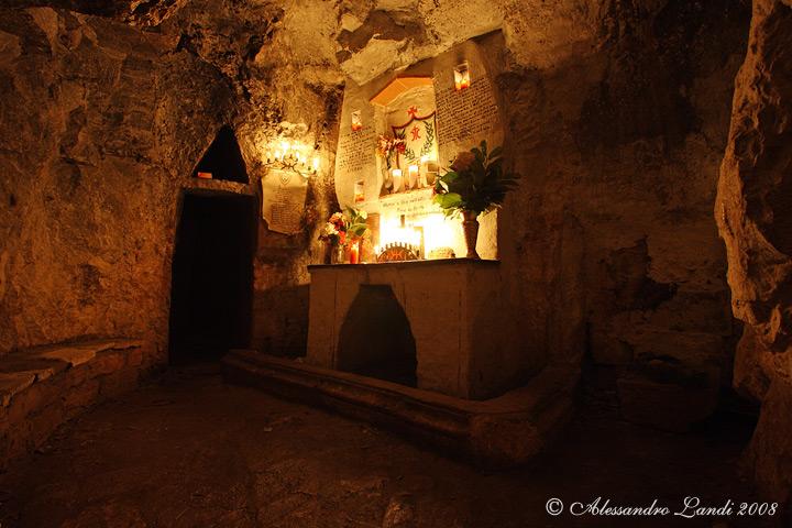 Altare Monte Labbro 01.jpg